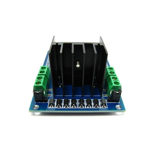Motor Shield compatible con Arduino (MotoMama)